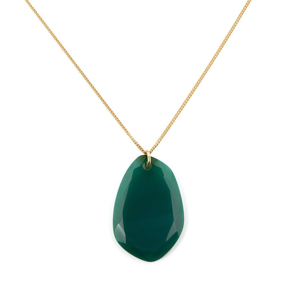 Necklace with green Agate stone