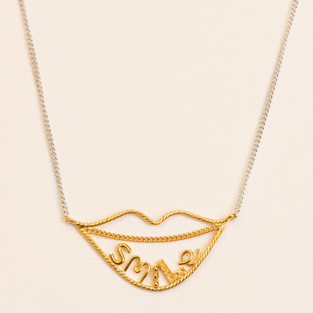 Fine 'smile' Necklace