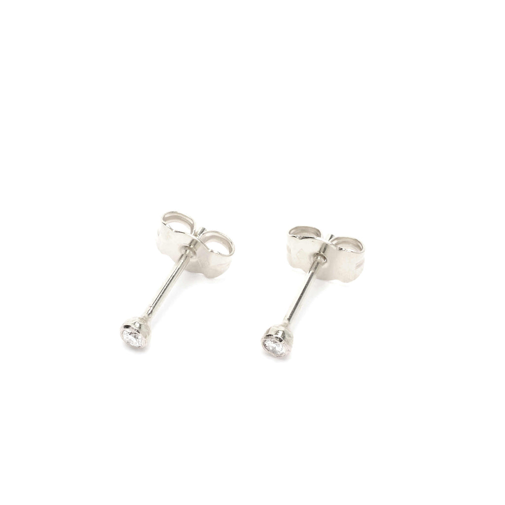 18kt Gold stud earrings with White Diamonds