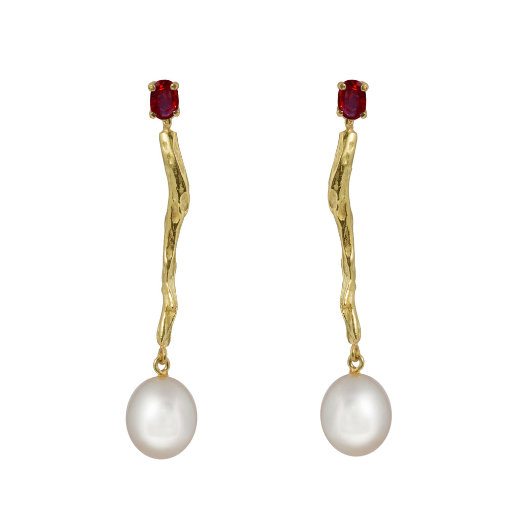 18kt Gold Stud Earrings with Freshwater Pearl and Garnet