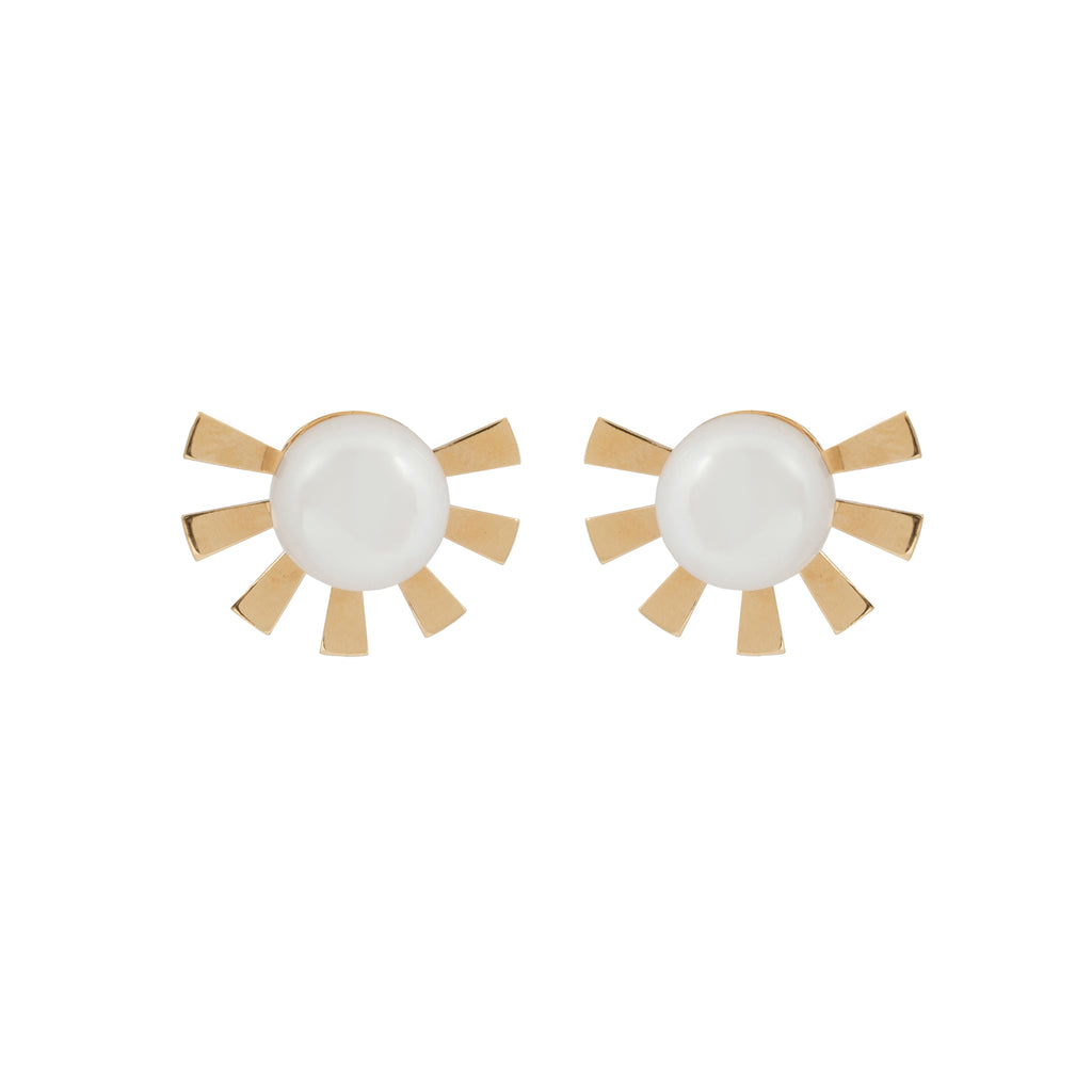 Stud Earrings with subtle sun and Pearl