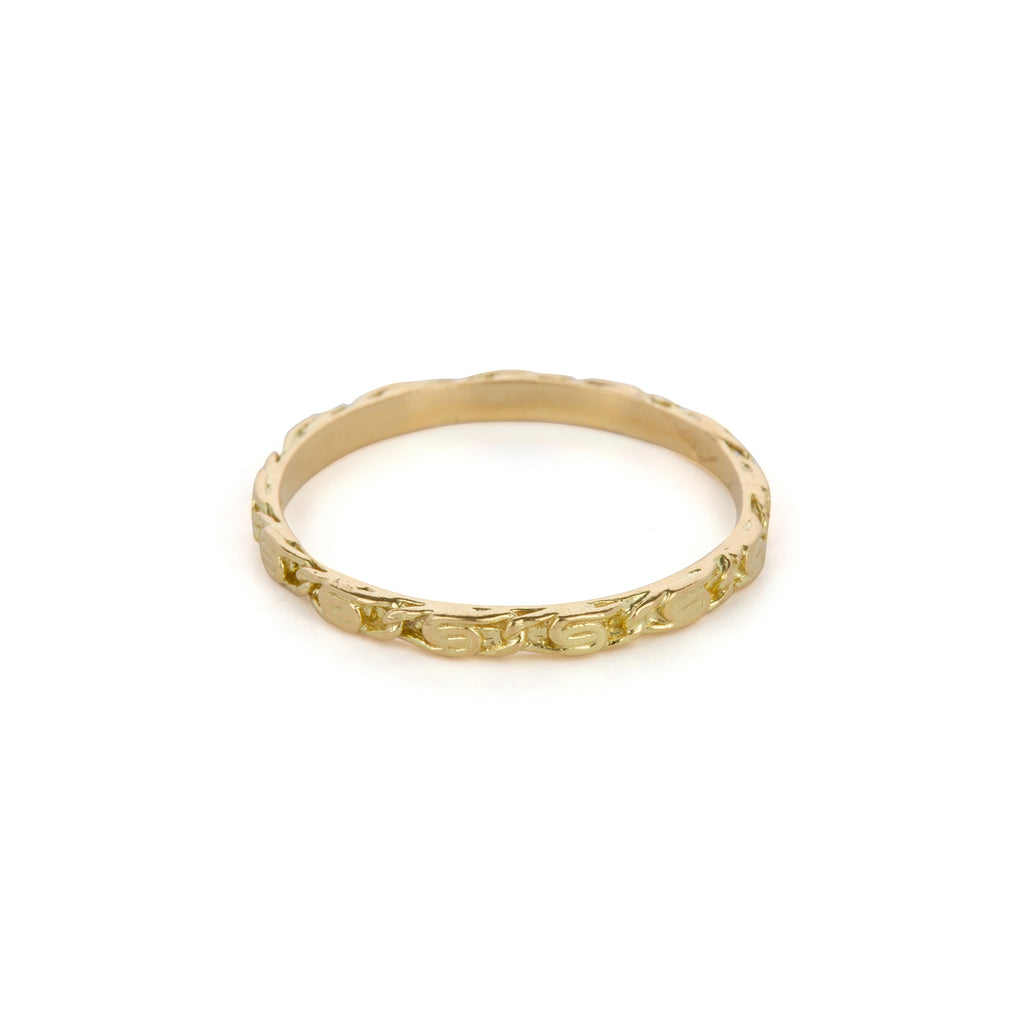18kt Gold Ring with snail diamond chain finish