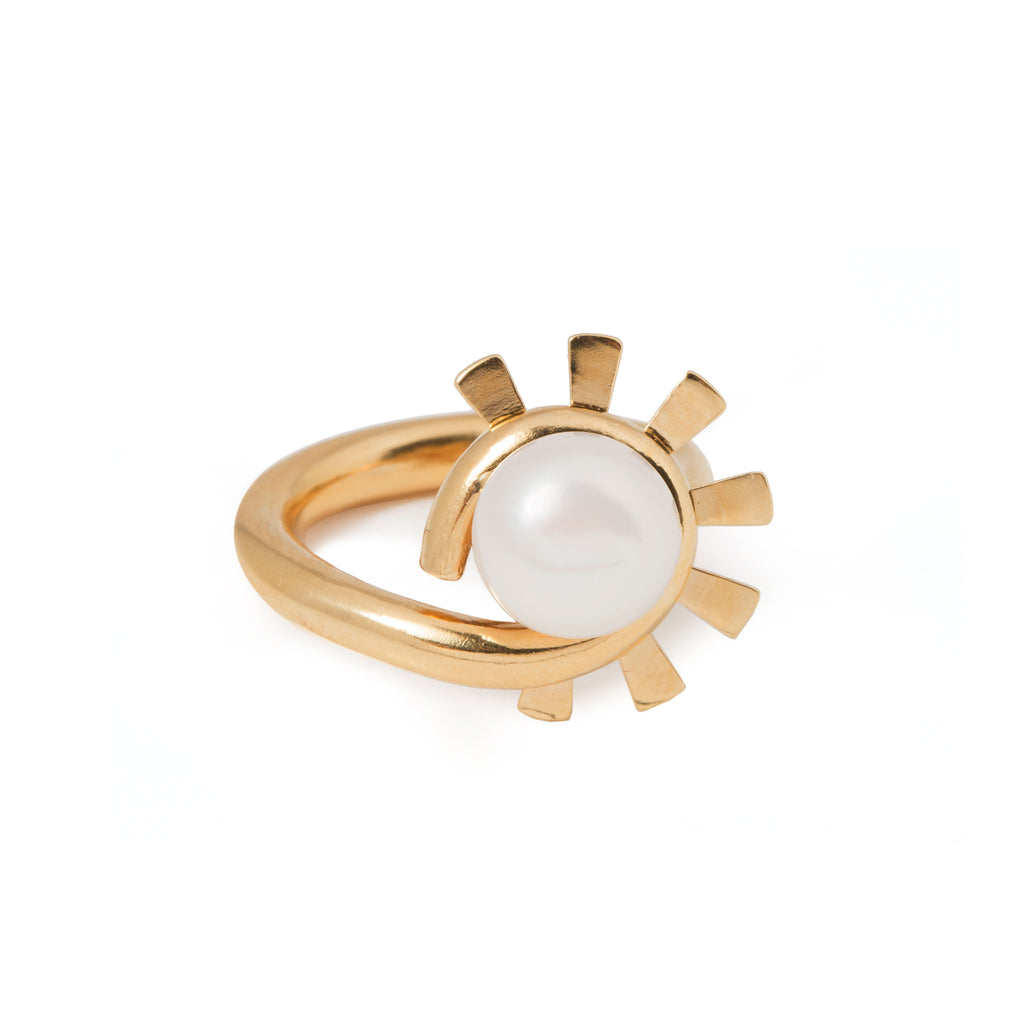 Ring with sunbeams and Pearl