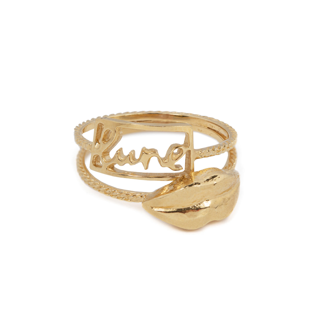 Delicate ring with lips and lune