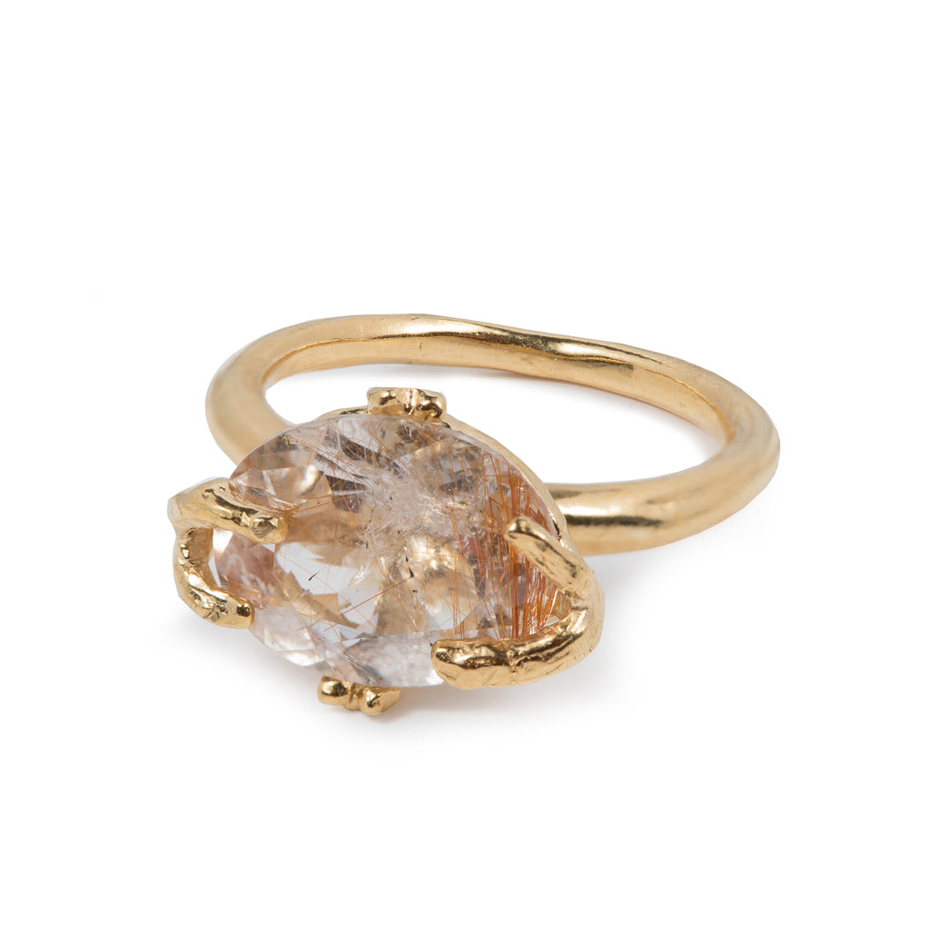 Fine Ring with golden Rutilated Quartz