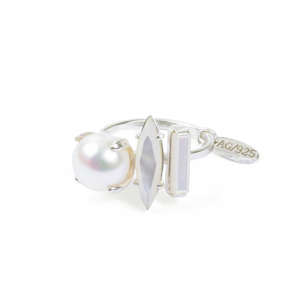 Delicate Ring with Mother of Pearl and Pearl