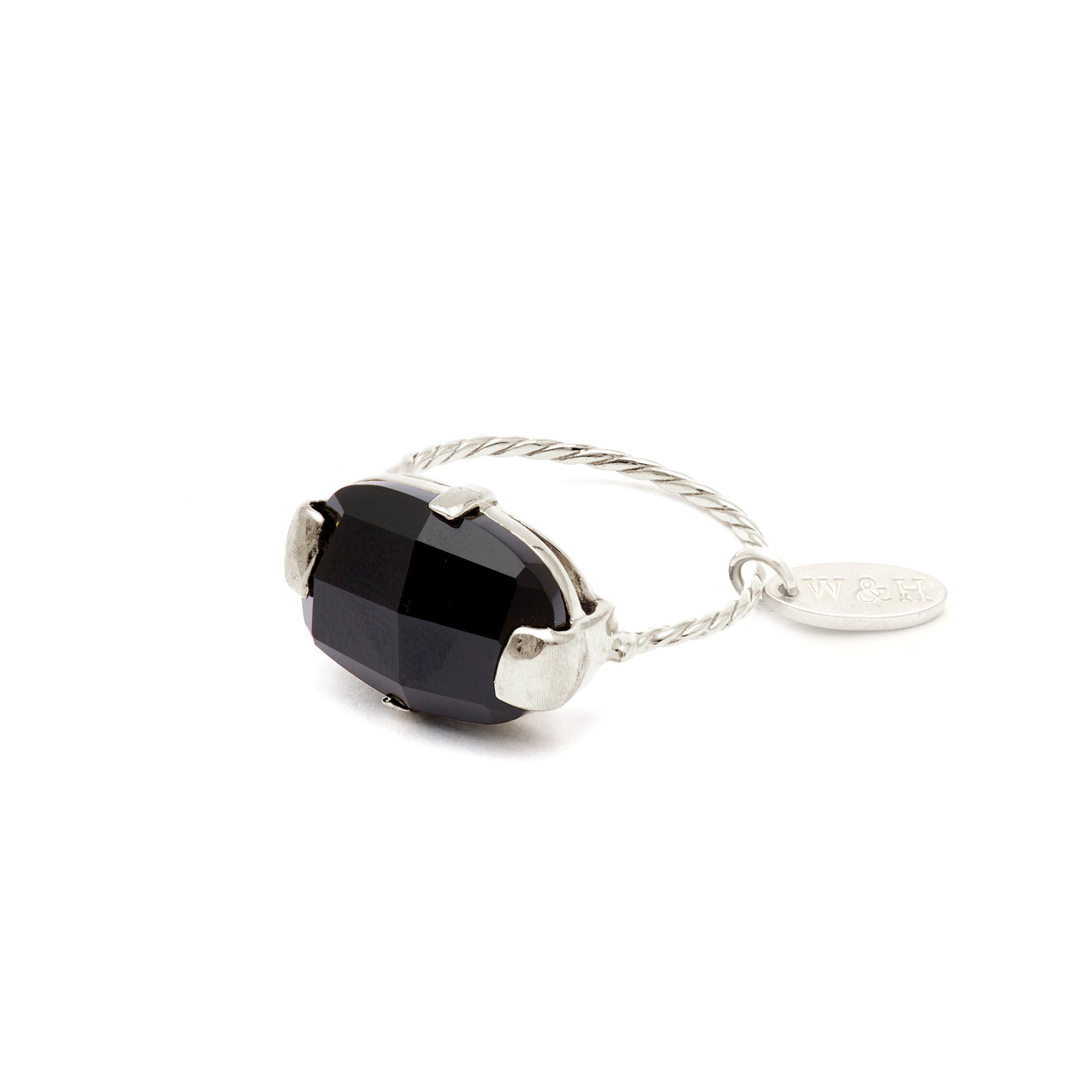 Elegant Ring with Onyx