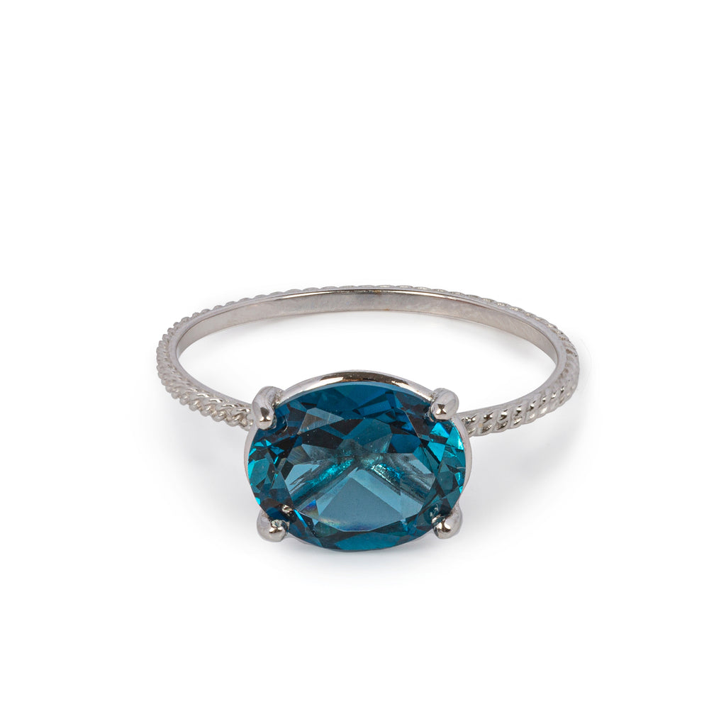 18kt Gold chain structured Ring with London Blue Topaz