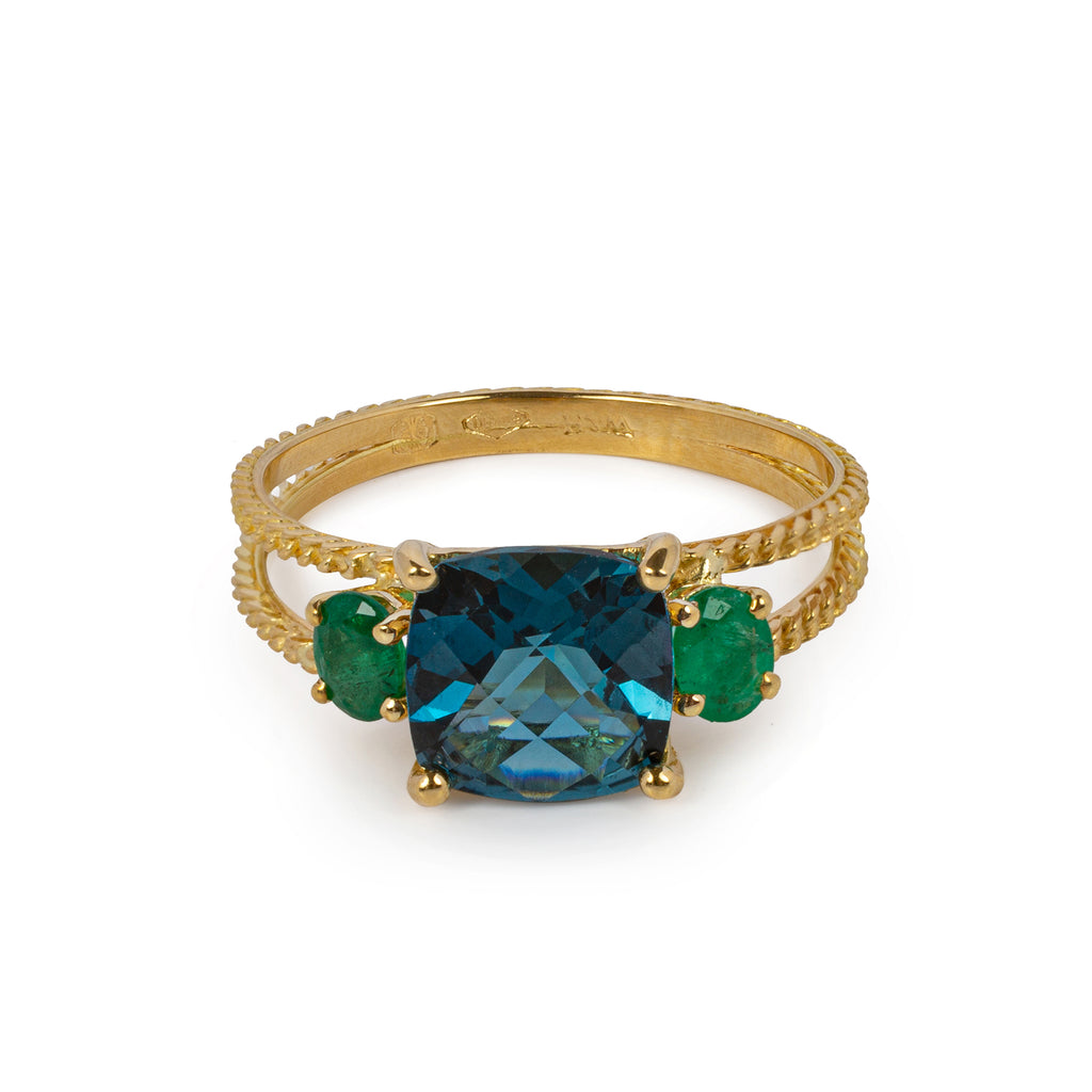 18kt Gold chain Ring with London Blue Topaz and Emerald