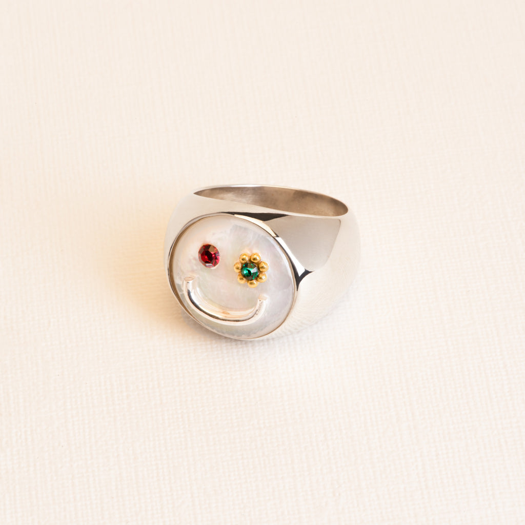 Statement smiley Nacre Ring