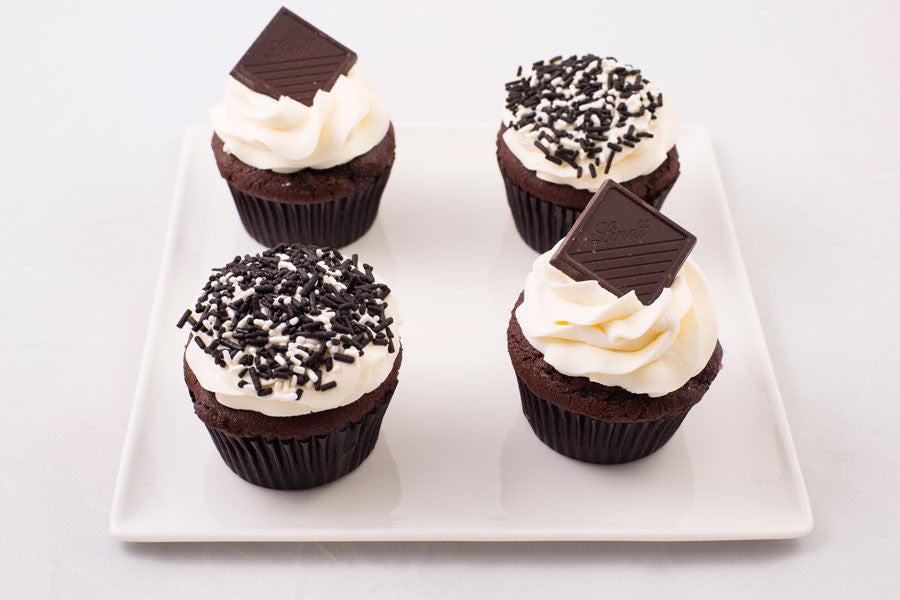 1/2 Dozen - Black and White All Right - Cupcakes