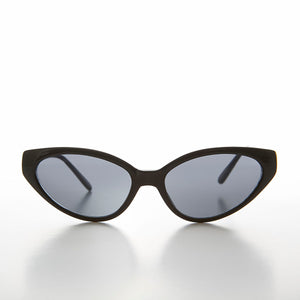 Shallow Lens Extreme Cat Eye Sunglass