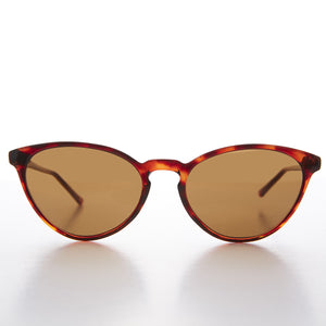 cat eye vintage sunglass with keyhole bridge