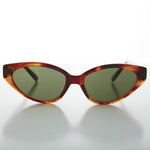 Load image into Gallery viewer, brown tortoiseshell cat eye vintage sunglass