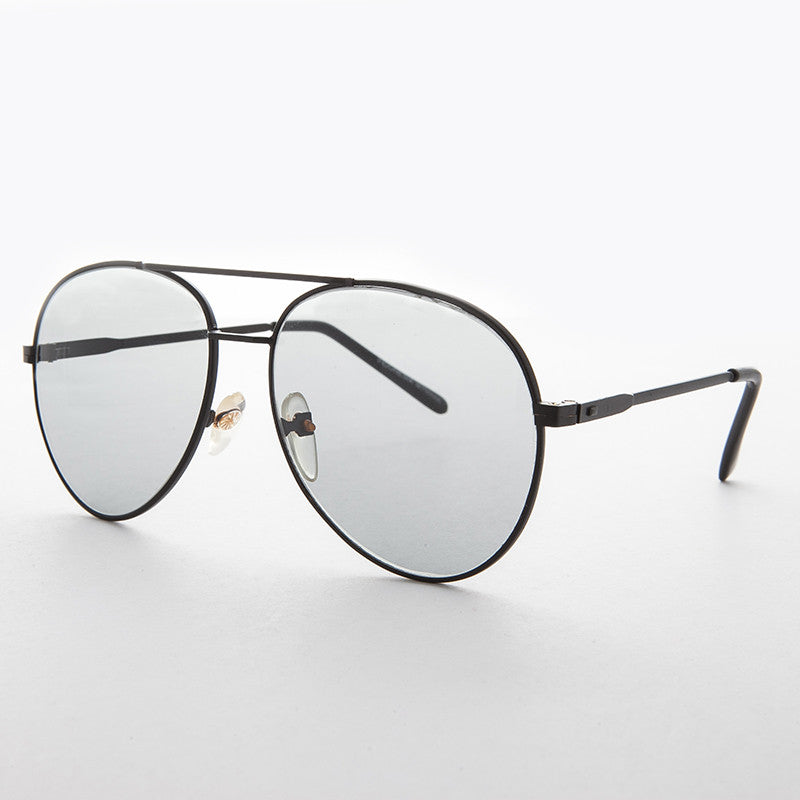 rounded aviator vintage sunglass with Corning USA glass transition lens