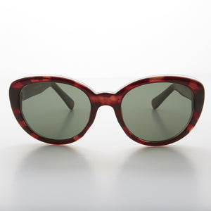black rounded vintage cat eye sunglass