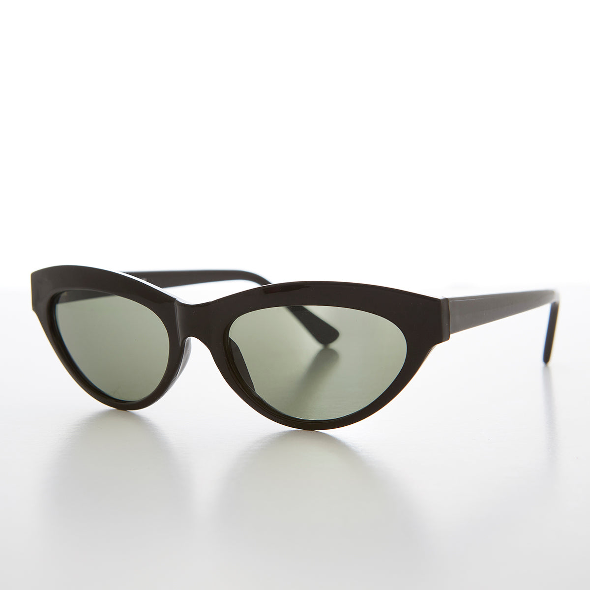 Classic Women's Cat Eye Retro Sunglass