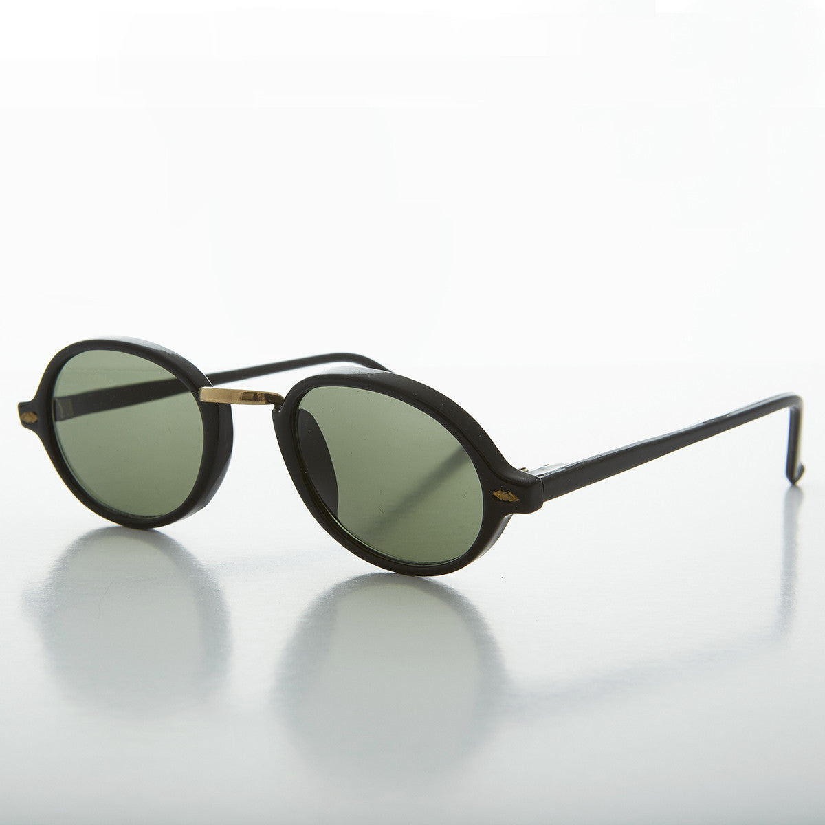 90s Classic Victorian Oval Vintage Sunglasses with Metal Bridge - Boston