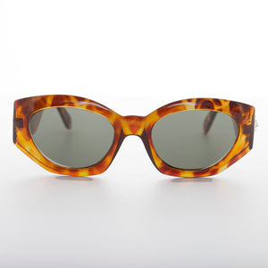 Women's Fashion Cat Eye Sunglass with Gold Emblem - Diva