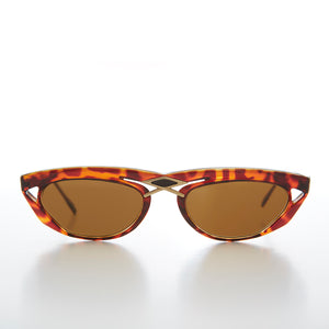Unusual 80s Wide Frame Vintage Sunglass