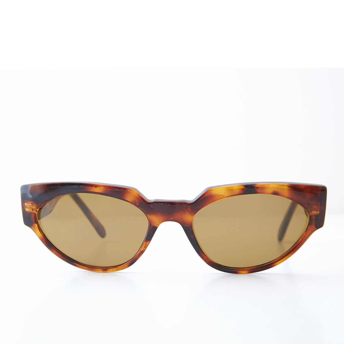 Women's Bold Angular Cat Eye Vintage Sunglasses -  Ellie