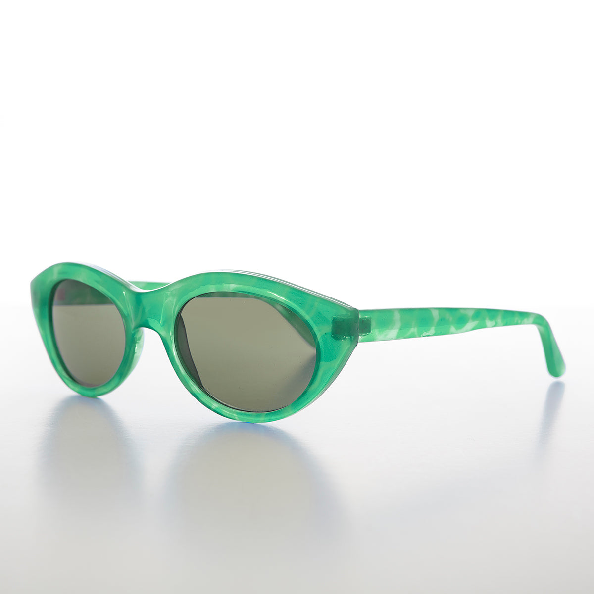 green cat eye sunglass