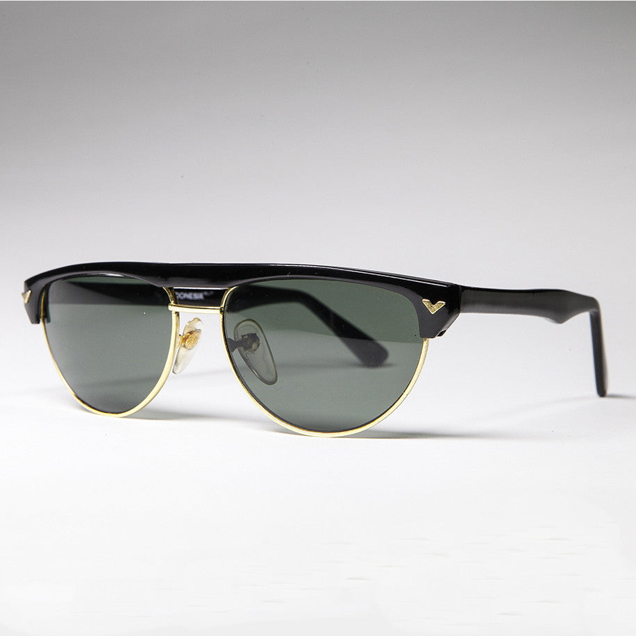 unique 1980s vintage aviator sunglass