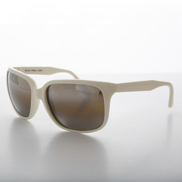 white sports vintage sunglass with mirror lens