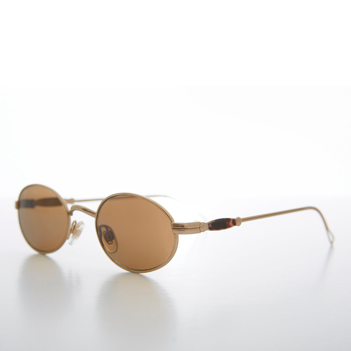 Oval 90s Vintage Sunglass with Intricate Temple