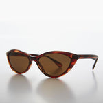 Load image into Gallery viewer, Pointy Tip Cat Eye Sunglass 1950s Retro Style
