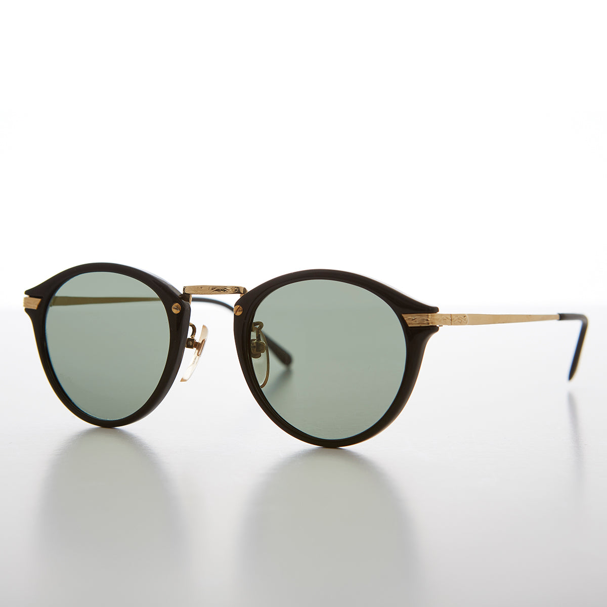 Round P3 Vintage Sunglass with Gold Temples and Bridge