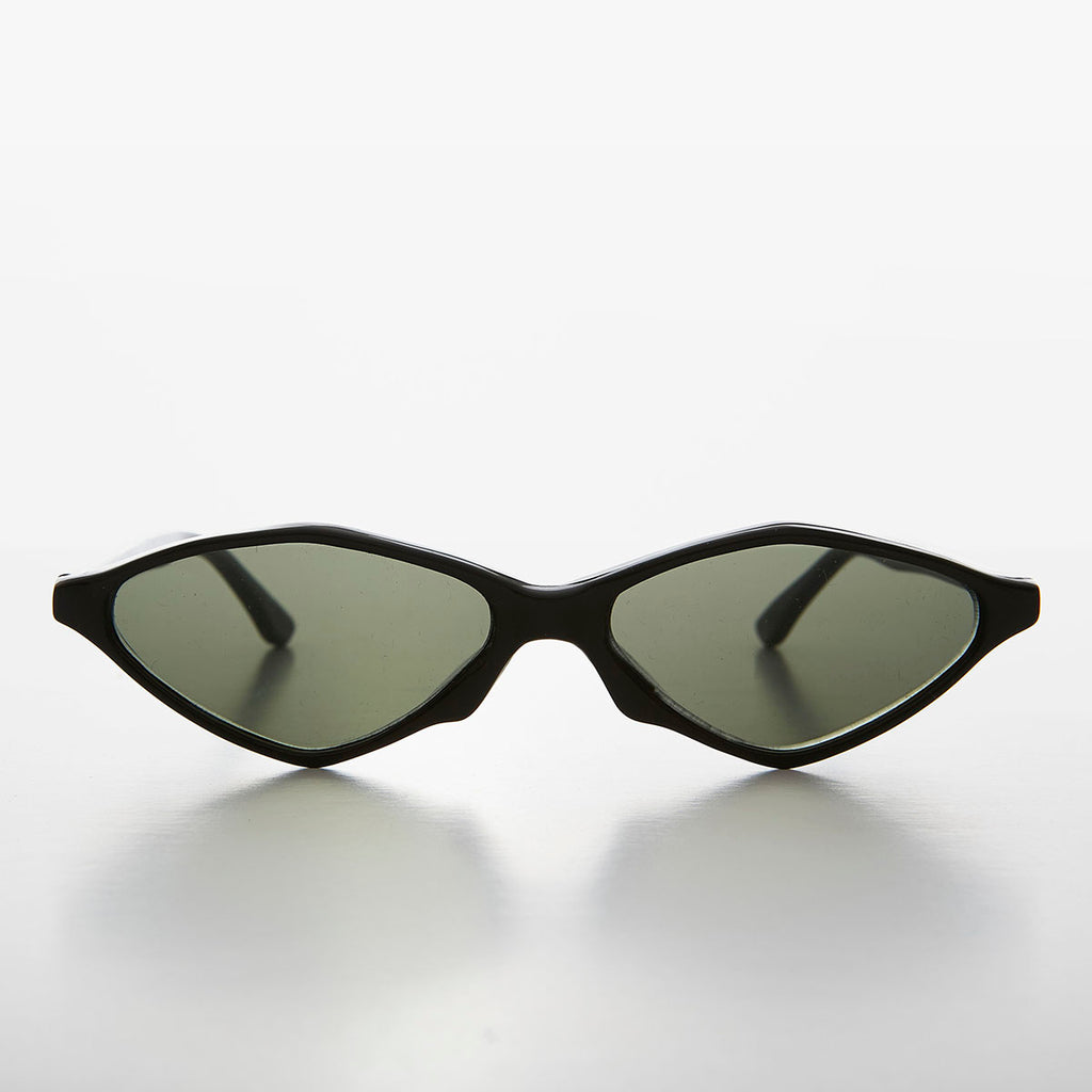 Pointy Diamond Futuristic Cat Eye Sunglass