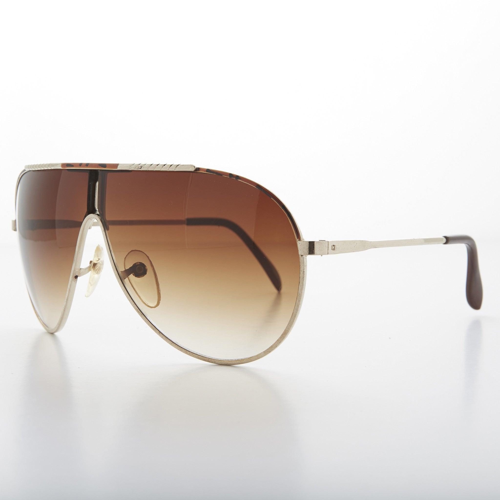 glam vintage aviator with gradient lens