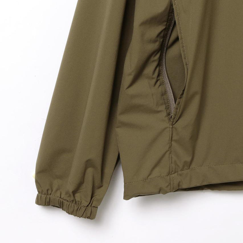 LIGHTWEIGHT PACKABLE PARKA