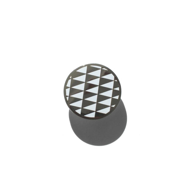PENNANT CHECKERBOARD PIN, WHITE