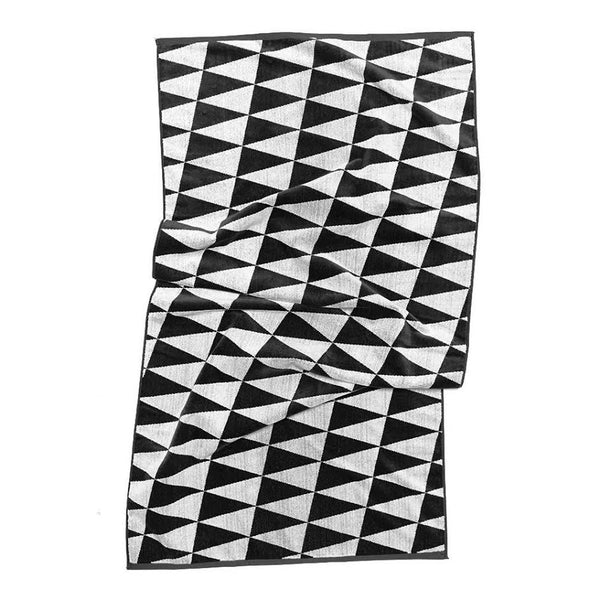 CHECKERBOARD PENNANT BEACH TOWEL