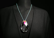 Load image into Gallery viewer, Short necklace with pendant of a crystal stone.