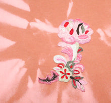 Load image into Gallery viewer, Tie-dye sweater light cognac - lightpink with embroidered flower