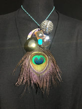 Load image into Gallery viewer, Necklace Feathers