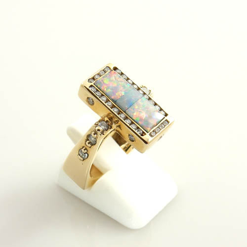 14kt Gold Brazilian Opal Diamond Ring Size 7.25