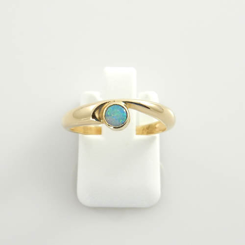 14kt Gold Australian Opal Inlay Ring Size 7