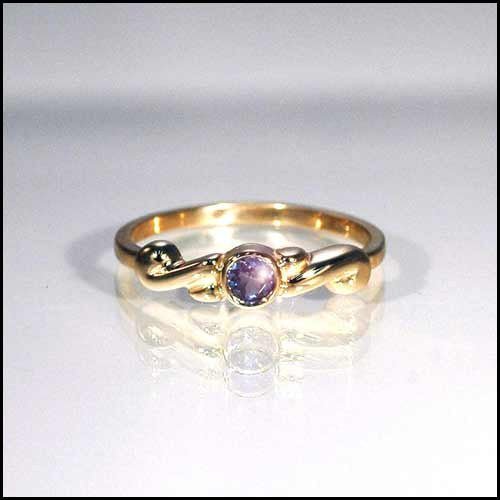 14kt gold tanzanite ring