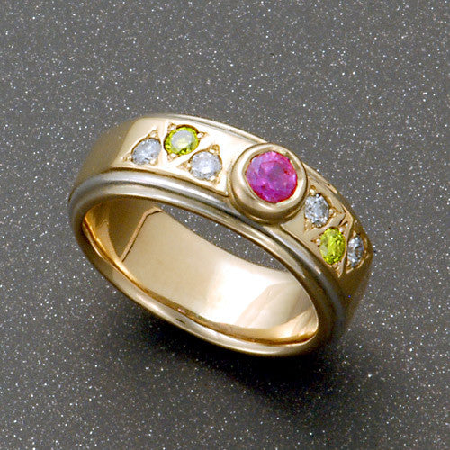 Yellow gold diamond sapphire ring