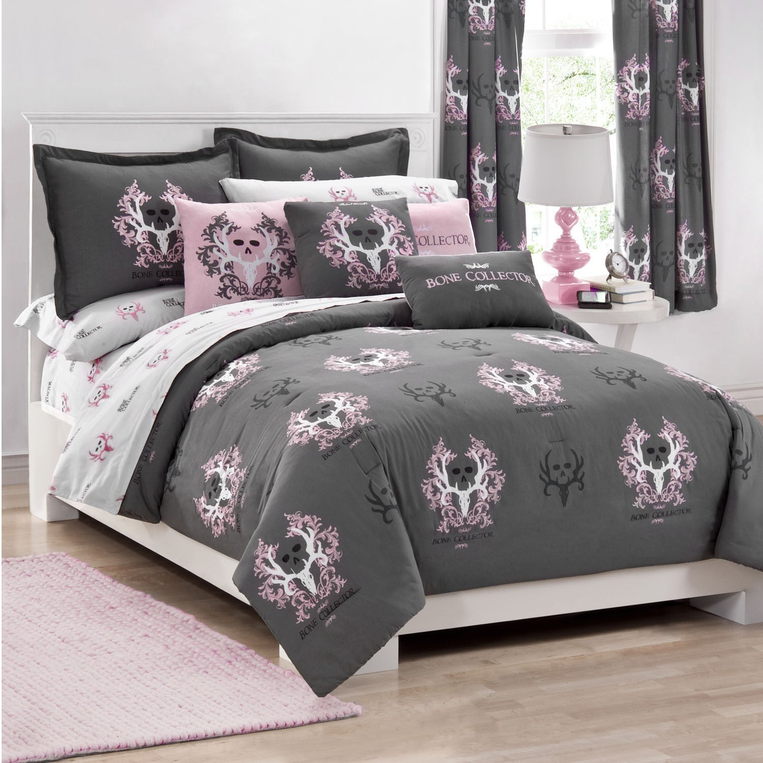 Bone Collector Pink Comforter/Sham Set  Full - Back40Trading2