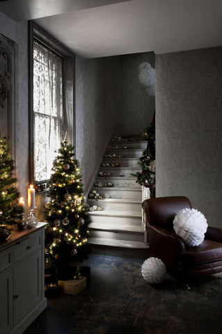 holiday decor home stairs