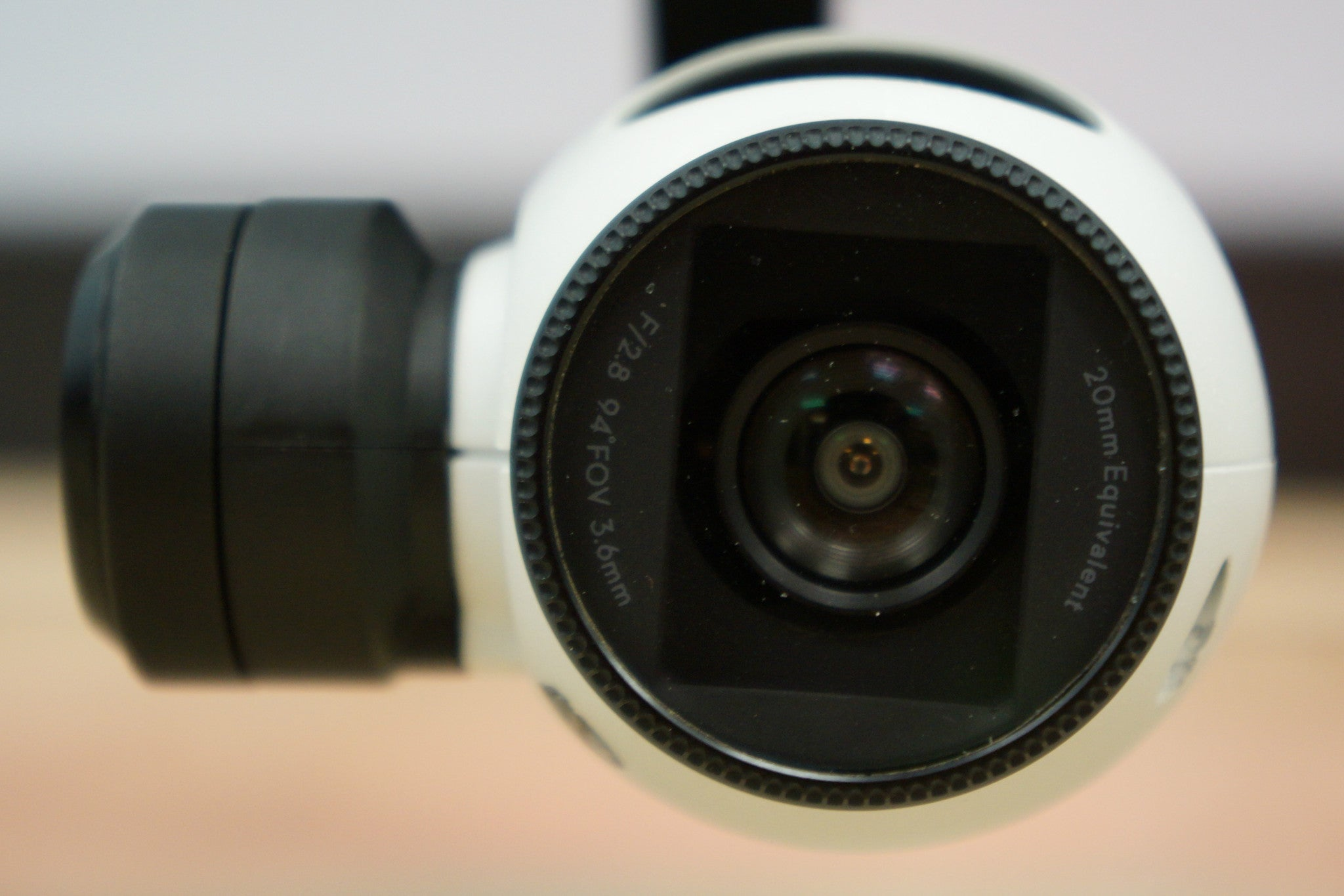 3.97mm f/2.8 82d HFOV 16MP (No Distortion)(Green 548nm)