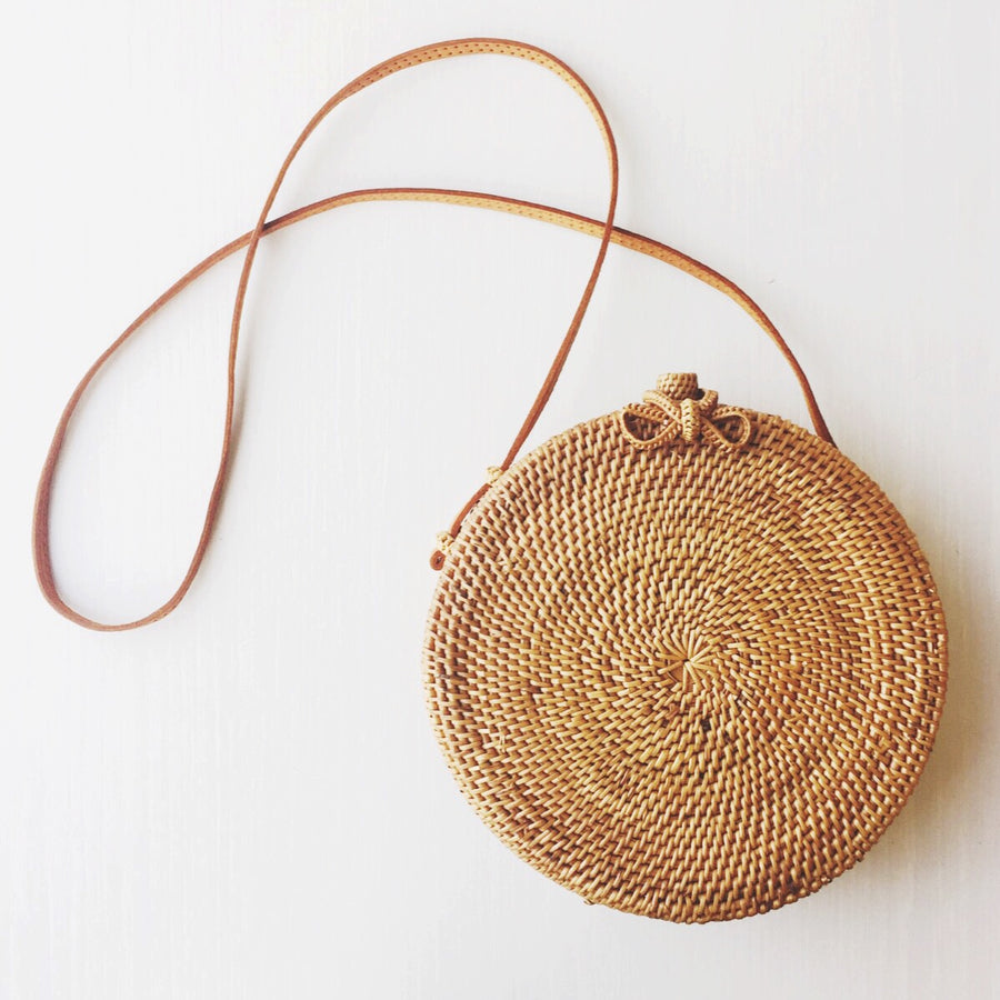 Sol Crossbody Roundie Ribbon Closure