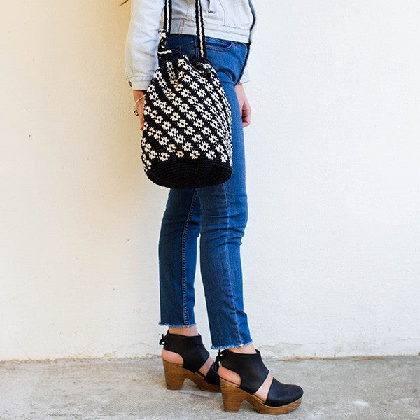 Bahia Bucket Bag Black / White Pattern