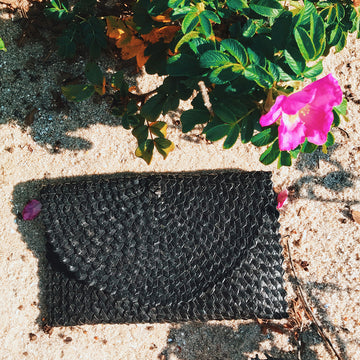 Crescent Clutch Black