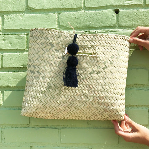 Palm Clutch x Small Pom Pom Midnight